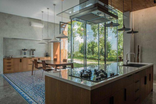 Meja dapur House 1 di Semarang karya Tamara Wibowo