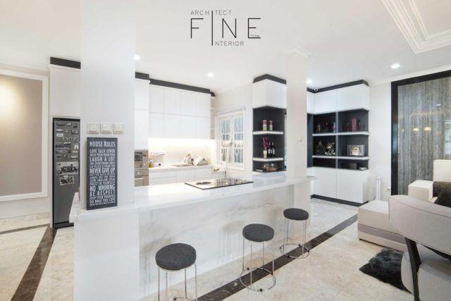 Meja dapur Kelapa Gading Residence di Jakarta karya Fine Team Studio