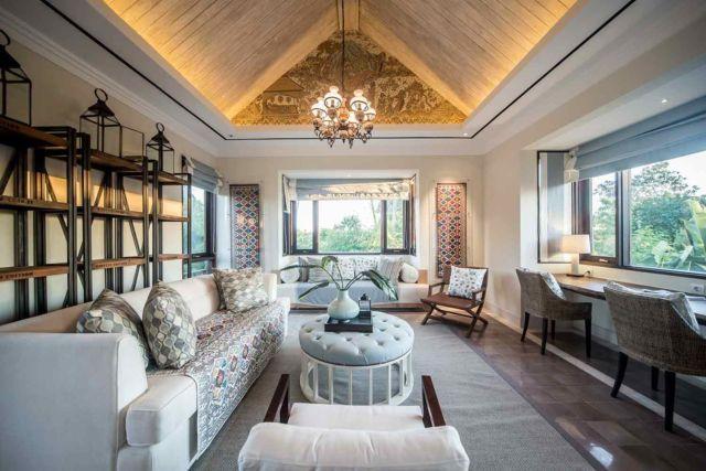 Desain ruang keluarga eklektik, proyek Rumah Tinggal di Hang Tuah oleh Han Awal & Partners