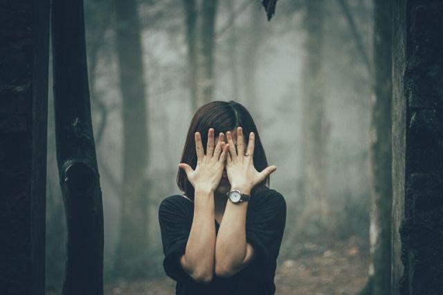 Memaknai Kehilangan. Sebab Kamu Tak Perlu Menghadapinya Sendirian