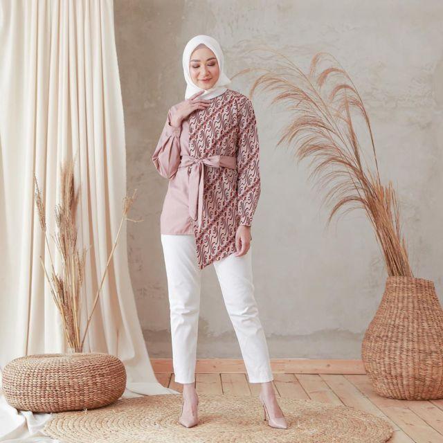 Model Baju Batik Zaskia Mecca: 8 Model Baju Motif Batik Yang Kasual Dan Bisa Dipakai