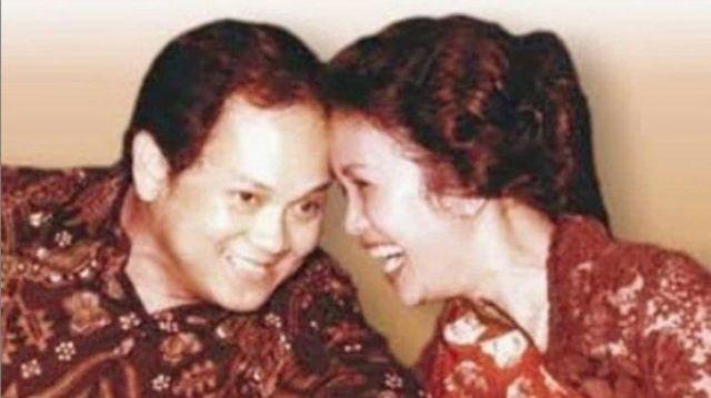 Habibie & Ainun semasa muda.