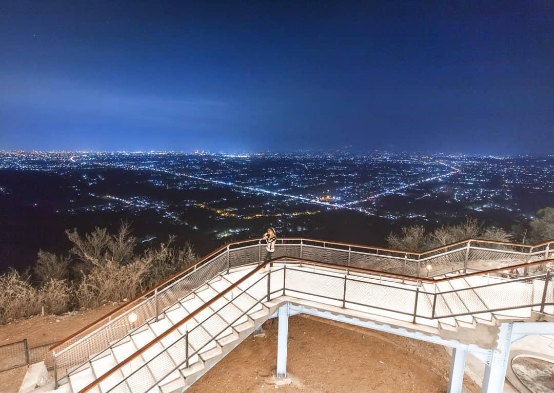 Heha Skyview Jogja Destinasi Instagramable Yang Menyajikan Keindahan Kota Jogja Di Waktu Malam
