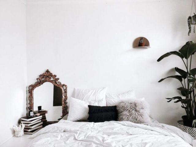 Penggunakan Warna Cerah di Kamar Tidur