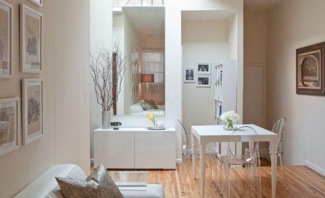 Ghost chair akrilik yang ringan dan melayang untuk apartemen minimalis