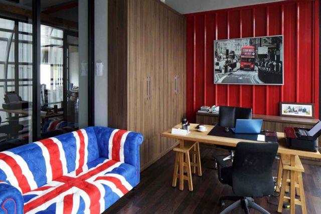Ruang kerja dengan tema Kota London, proyek Spektra Solusindo karya Vindate