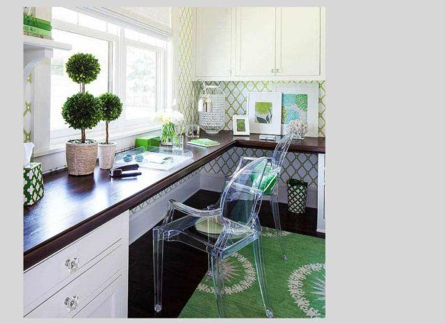 Sentuhan hijau dalam bentuk tanaman dan dekorasi yang segar