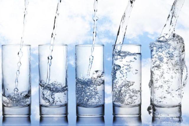Air Bersih Pada Beberapa Gelas
