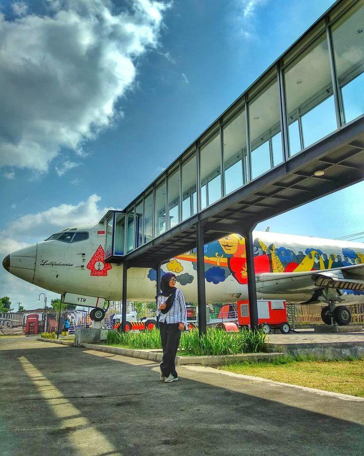 Ngidam Makan di Pesawat, Ke Jogja Airport Resto Ajah. Tempat Makan Sambil Nongkrong Di Boeing 737-200