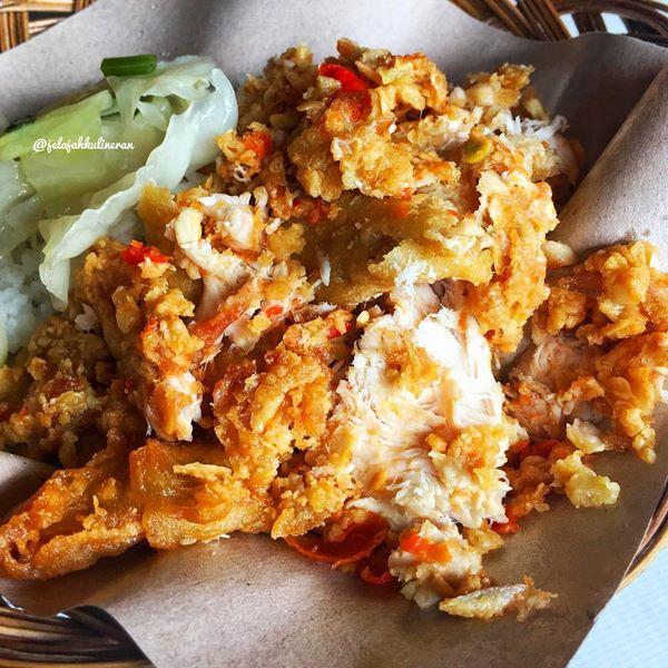 Sajian Ayam Geprek Bu Rum - Photo by Jelajah Kulineran