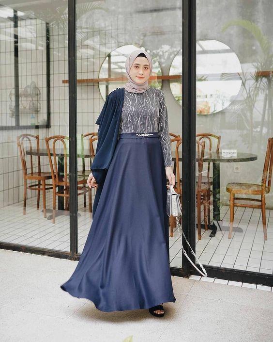 10 Ide Dress Kondangan Berbahan Satin Mewah Bisa Dibuat Minim Budget