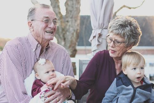 Santai bersama cucu