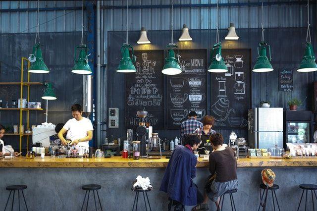 Coffeeshop memang oke, mungkin makin oke juga ketika kamu bisa jadi part-timer disana.