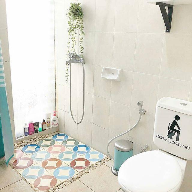 hipwee desain kamar mandi sederhana ukuran 2x2 8