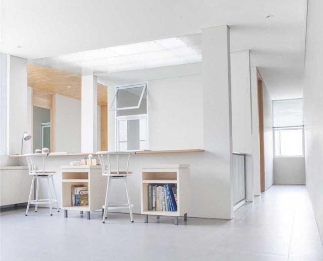 Area membaca tanpa perlu lemari besar di House at Pasteur oleh Januar Senjaya & Filani Limansyah/ Addo Architecture