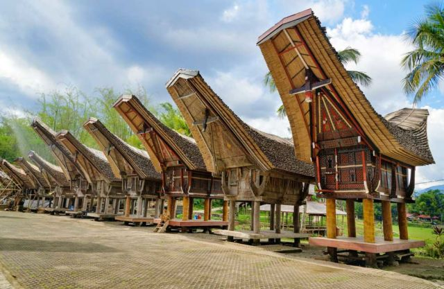 Yuk Mampir Ke Tana Toraja Destinasi Unik Di Indonesia Yang Wajib Masuk Agenda Travelmu