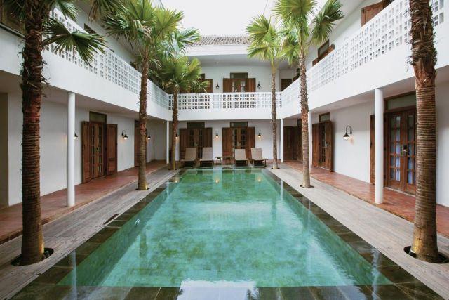 Adhistana Hotel by Booking.com