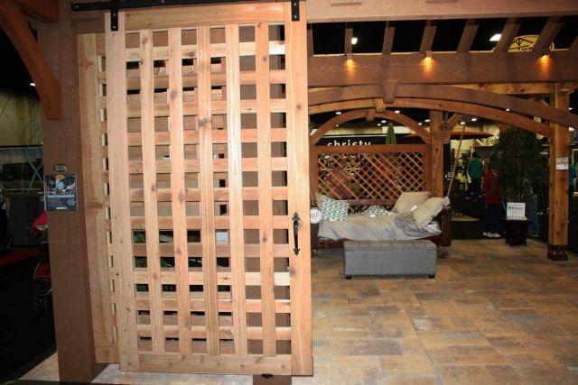 Pintu Teralis dari Kayu