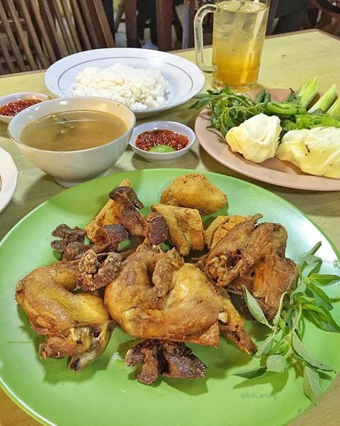 Ayam Goreng Tojoyo - Photo by Koh Aming