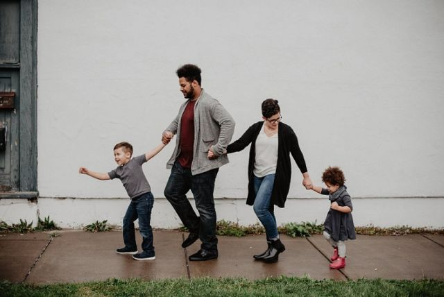 Aku ingin seperti ayah Photo by Emma Bauso