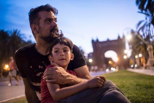 Ajari aku untuk kuat, ayah - Photo by Movidagrafica Barcelona