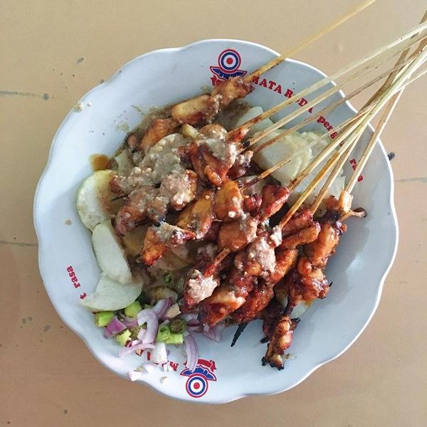 Sate Ayam Pak Kromo - Photo by Cerita Makan