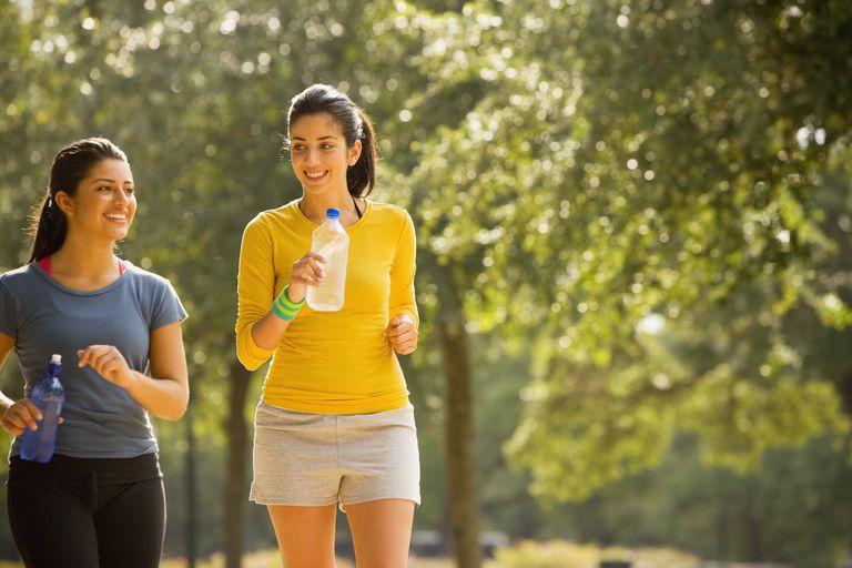 6 Trik Bakar Kalori Lebih Hanya dengan Jalan Kaki. Nggak Secapek ...