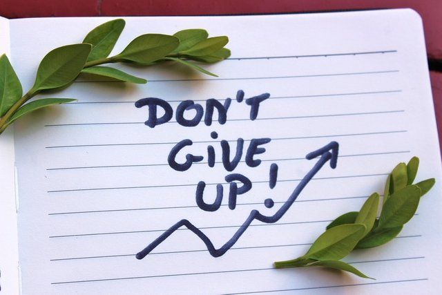 Never Give up by Steemit