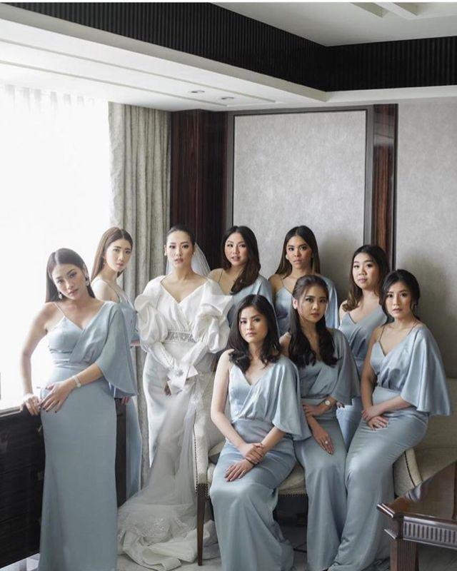 12 Ide Gaun Satin Polosan untuk Bridesmaid. Tak Perlu Kain