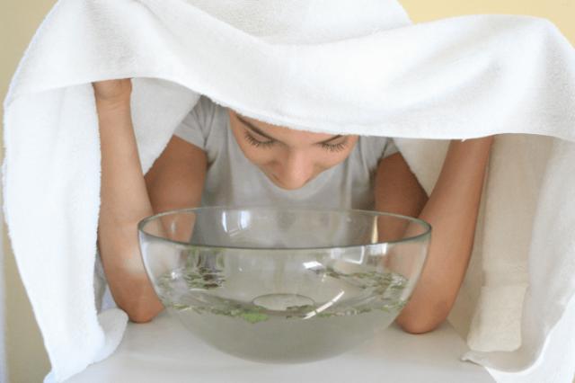 Bukannya Membuka Pori Pori Ini 6 Manfaat Menguapi Wajah Dengan Air Hangat Yang Sebenarnya