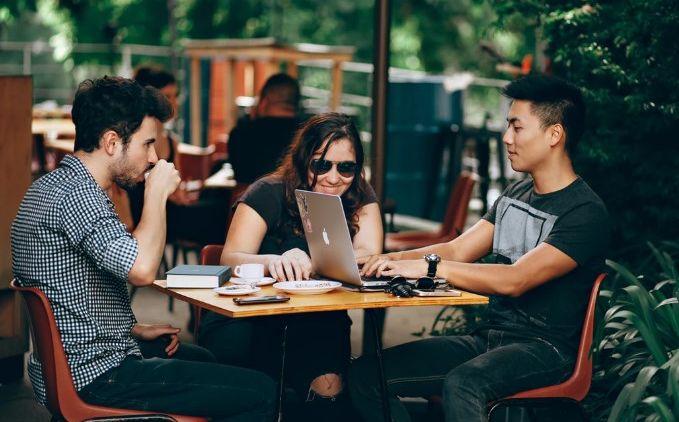 Ide Bisnis untuk Anak Muda Generasi Milenial, Yuk Mulai ...