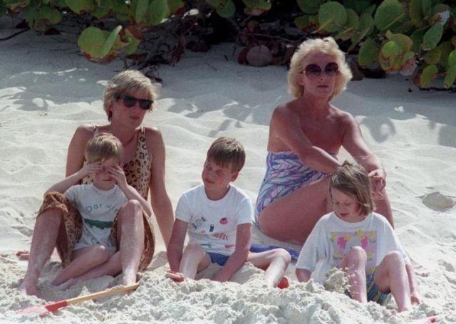 10 Foto  Lady Diana Ini Mungkin Bisa  Bantu Jelaskan Kenapa