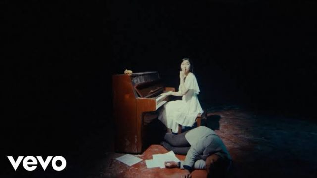 Isyana Sarasvati - ragu Semesta (Official Music Video)