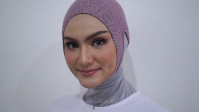 7 Trik Pakai Jilbab Instan Biar Rambut Dahinya Ngak Sering Nongol Jauh Jauh Deh Dari Jipon