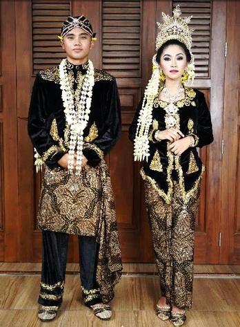 Pengatin Putri Kabupaten Semarang / MUA : @siwihap / Attire : Harpi Melati Kabupaten Semarang