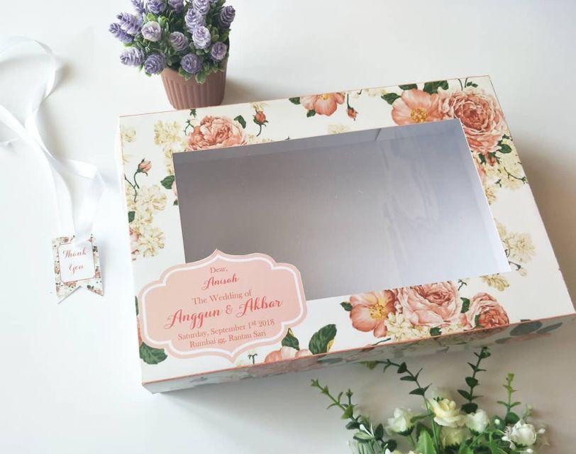 10 Ide Kotak Bingkisan Cantik untuk Bridesmaid. Jaminan ...