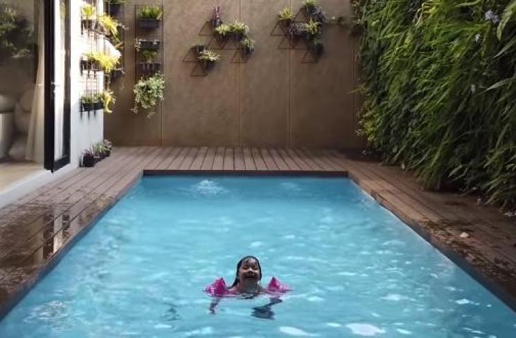 Gempi pinter berenang jugaa