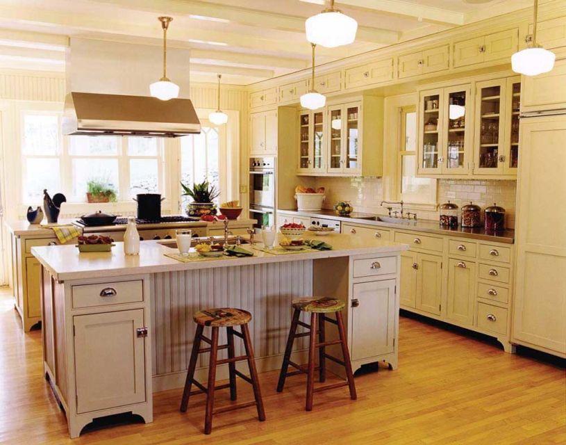 Mini kitchen island sekaligus ruang makan