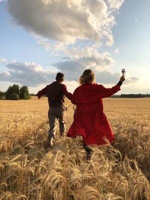 Tetap jaga komunikasi dengan pasangan