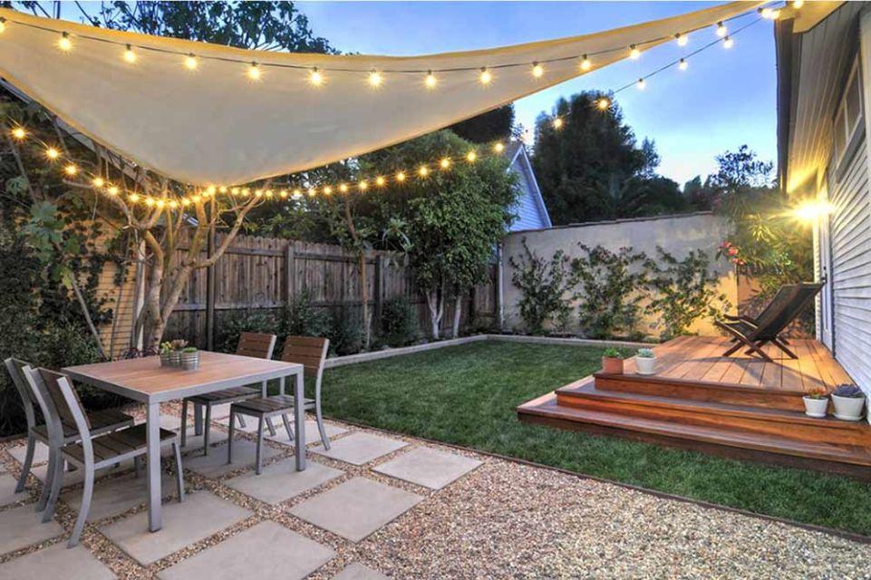 Desain ruang santai outdoor dihiasi lampu tumblr, karya Kate Anne Designs