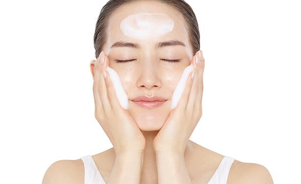 Facial Foam Using
