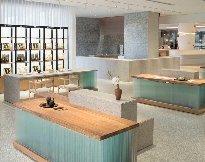 Furnitur seragam di kafe minum teh karya Koo Architects