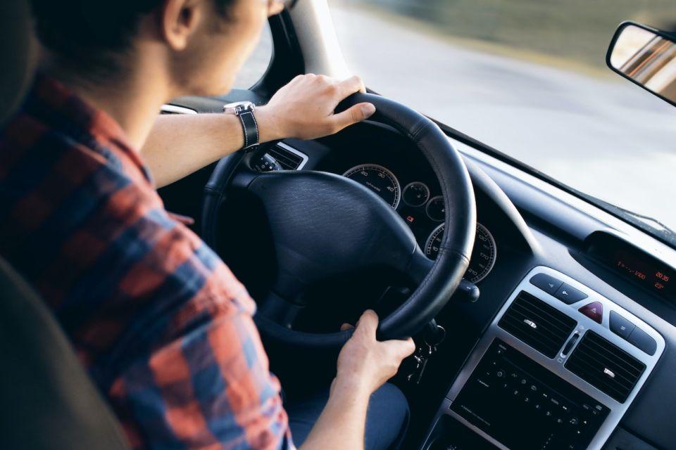 cara belajar naik mobil