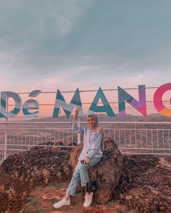 Dé Mangol, Destinasi Instagramable Dan Wisata Kuliner Di