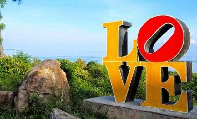 Pesona Wisata Alam Bukit Love Karimunjawa