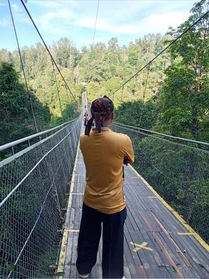 Dokumen Pribadi : Destinasi andalan Sitoe Goenoeng Suspension Bridge
