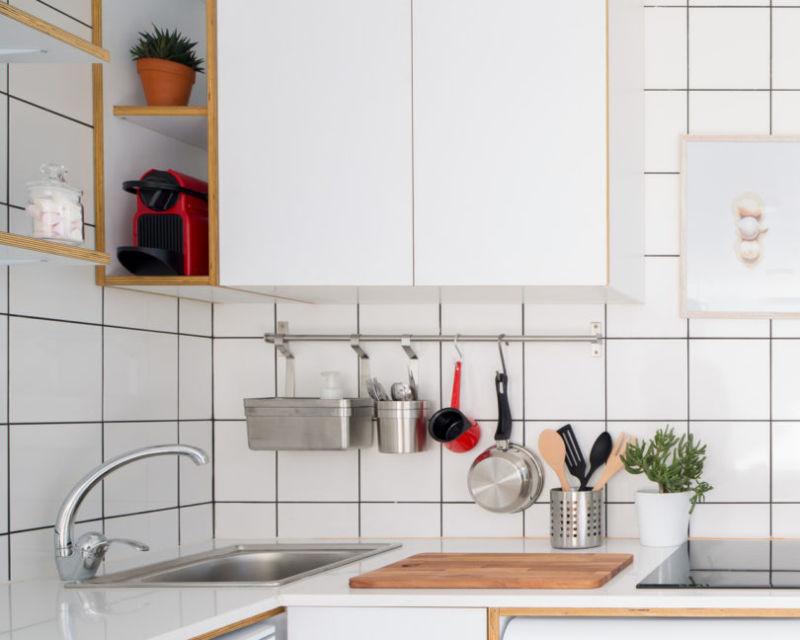 Keramik besar untuk backsplash dapur