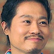 Mantan atasan Jin U yang diperankan oleh Lim Ki Hong