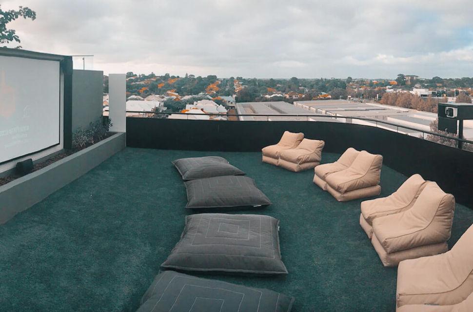 Rooftop theatre karya Westcoasthifi