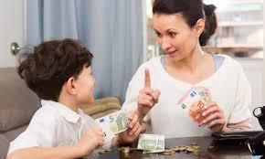 mememberikan uang ke orang tua